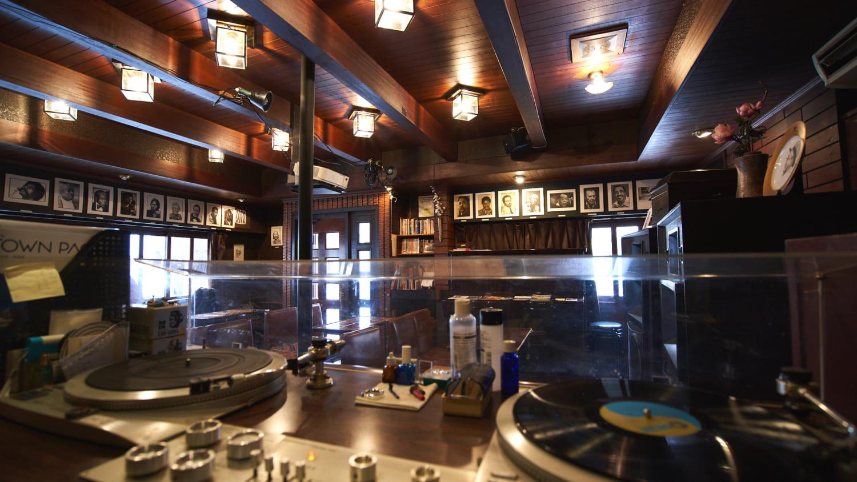 横浜・野毛/ちぐさ】一度は訪れたい伝説のジャズ喫茶   ARBAN