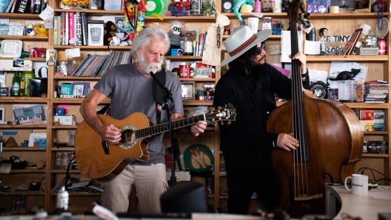 グレイトフル・デッドのボブ・ウェアとブルーノート社長のドン・ウォズが『Tiny Desk Concert』で共演した画像