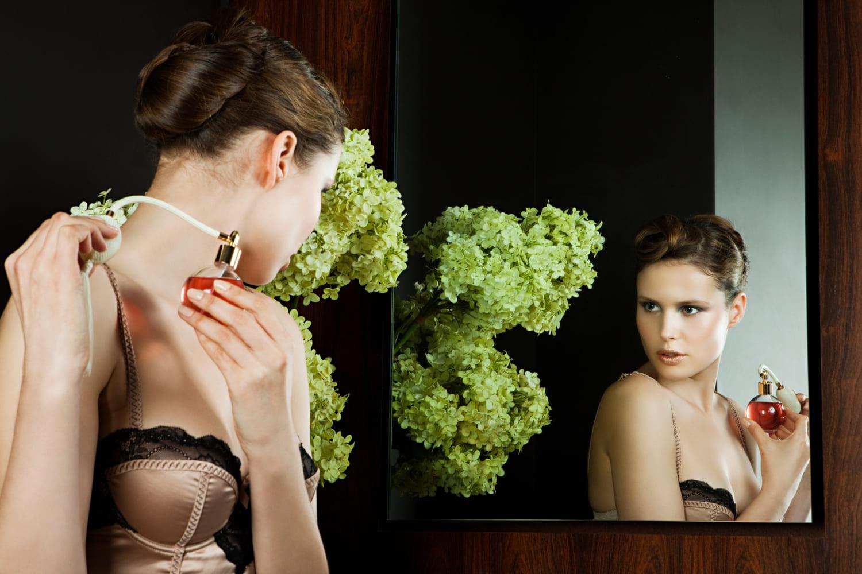 ヒップの誕生Vol.13、菊地成孔、香水の女性の写真