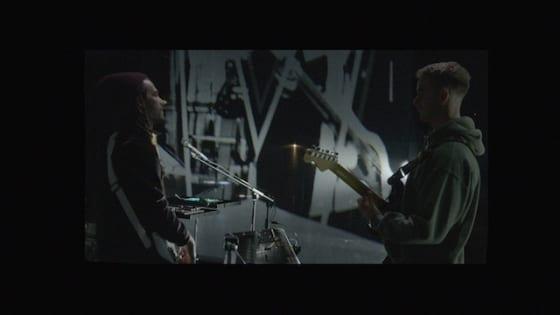 トム・ミッシュとFKJのコラボ曲「Losing My Way」